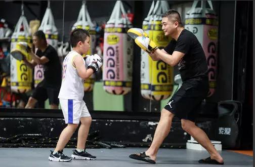 拳击运动,锻炼肌肉,百年扁